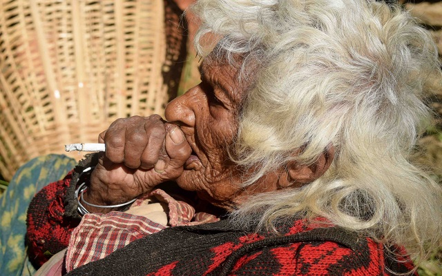 [Video] Woman aged 112, Smoked 30 cigarettes per day