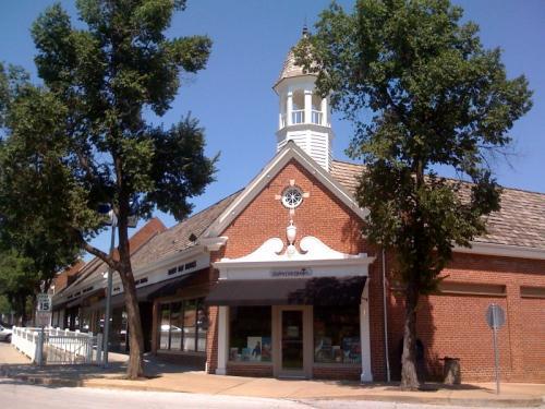 Rainy Day Books | Kansas City's Community Independent ...
