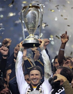 Beckham-holds-2011-mls-cup
