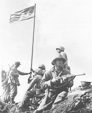 Pengibaran Bendera di Puncak Suribachi