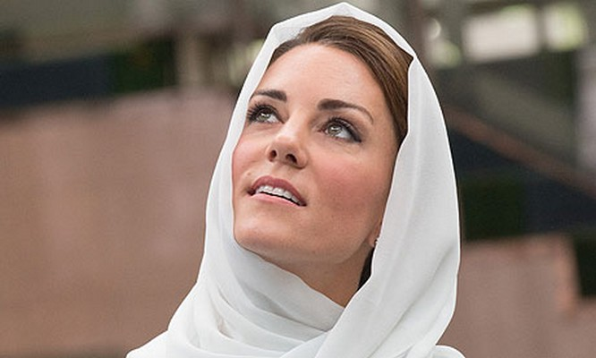 Closer removes Kate Middleton pics from its site but they have more closest