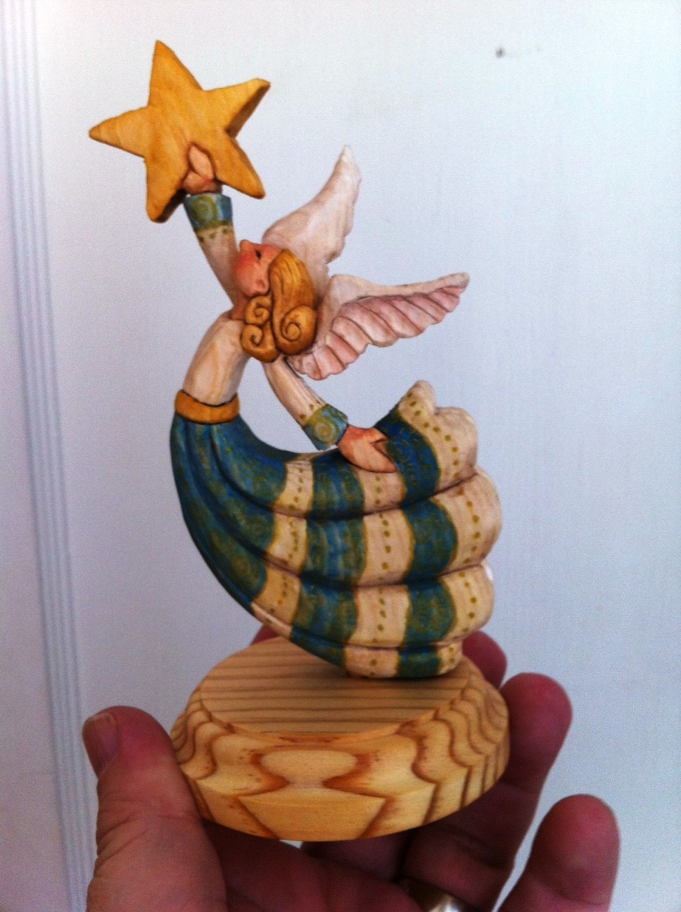 Mike pounders wood carving small stuff for christmas