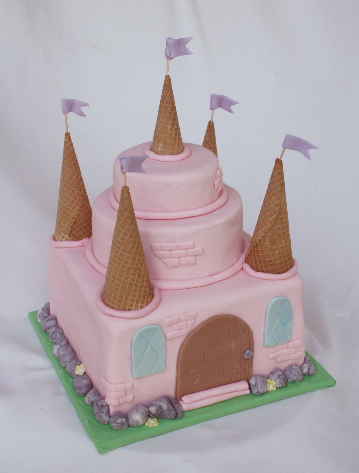{An Easy} Pink Princess Castle Cake