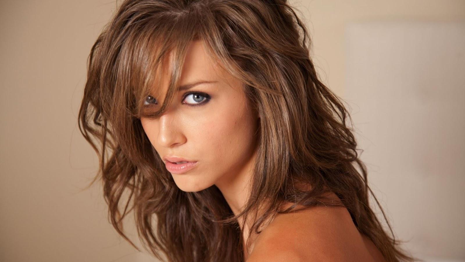 Фото девушек с красивыми мелированными волосами 21 фотография