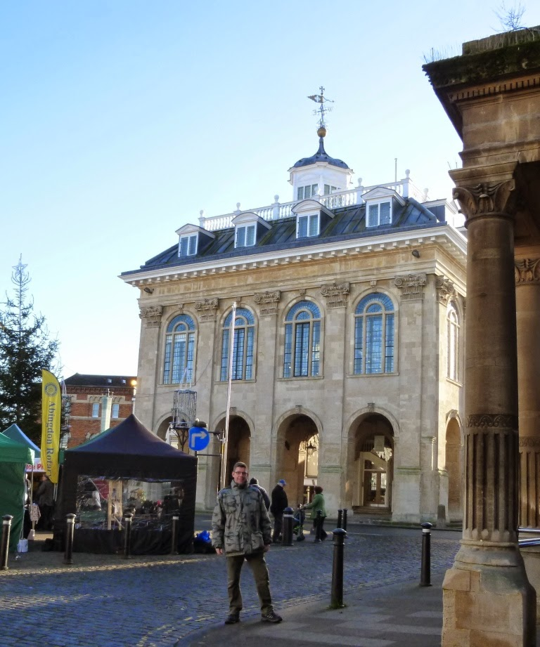 In the market place in front of Abingdon County Hall