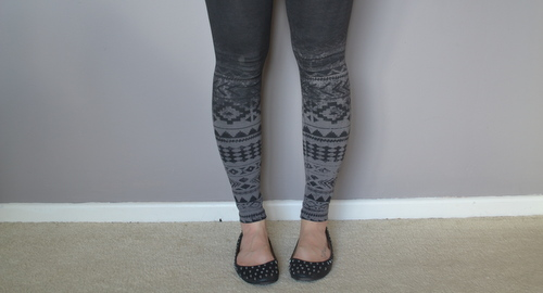 h-and-m-grey-tribal-leggings
