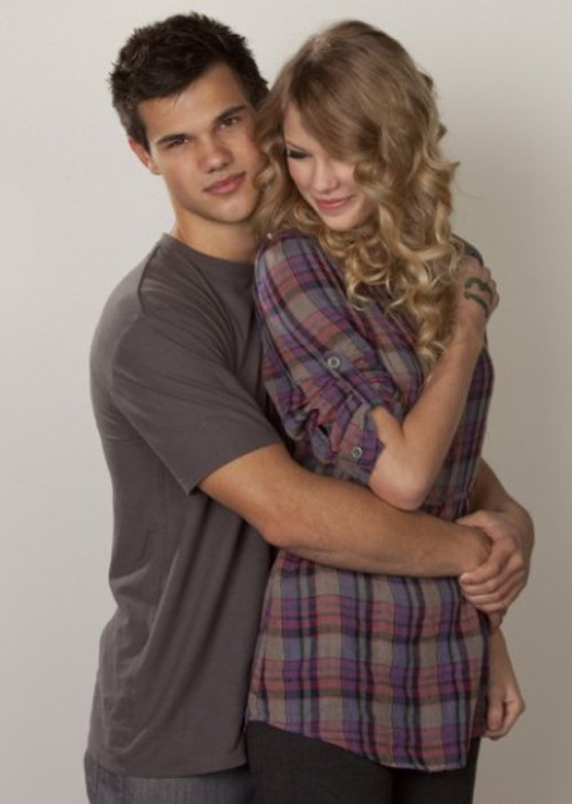 Taylor Lautner With Gi... Taylor Lautner Girlfriend