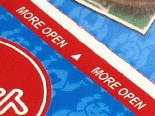 「MORE OPEN」の部分にズームアップした写真