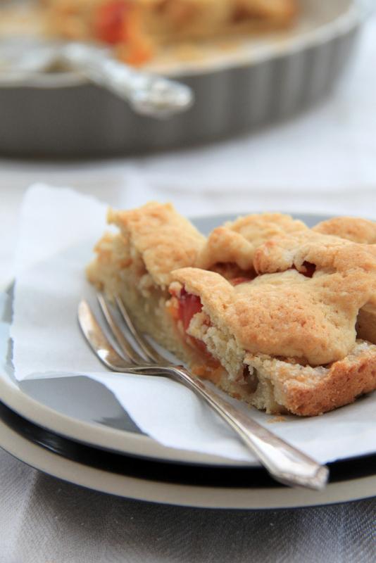 Irlandzkie ciasto z jabłkami i brzoskwiniami