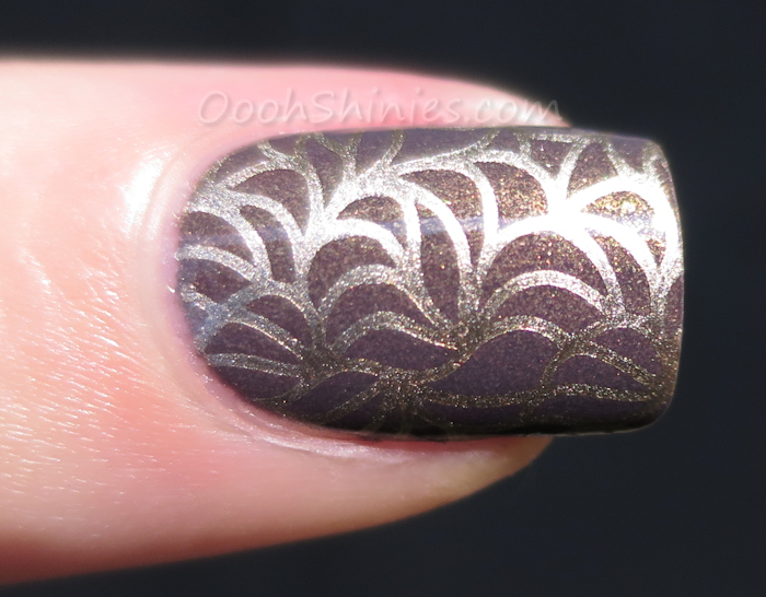 L'Oréal Mysterious Icon with China Glaze 2030 and Lily Anna plate 09