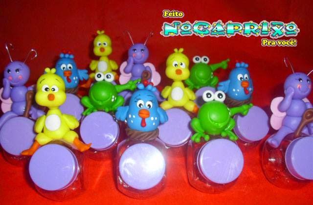 Mini baleiros com aplicação de biscuit Galinha Pintadinha