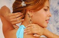Modelo de desenhos para tatuagens no pescoço - Estrelas