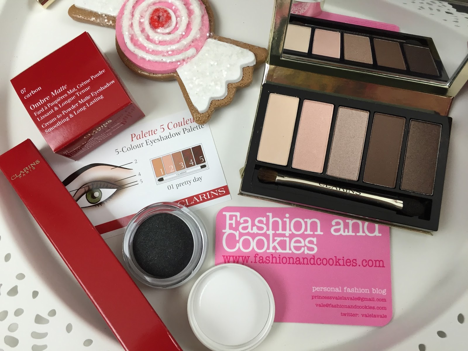 Clarins Pretty Day & Night collection in Limited Edition on Fashion and Cookies fashion blog, fashion blogger style