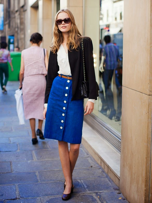 Front buttoned denim skirt Street style formal
