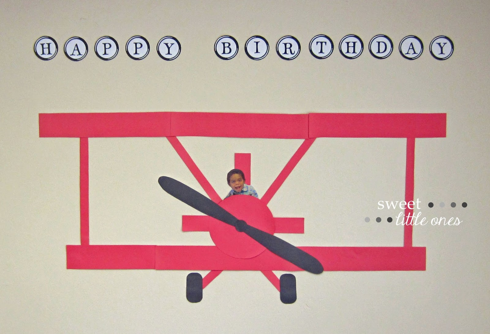 Bi-Plane / Airplane Birthday Banner - www.sweetlittleonesblog.com