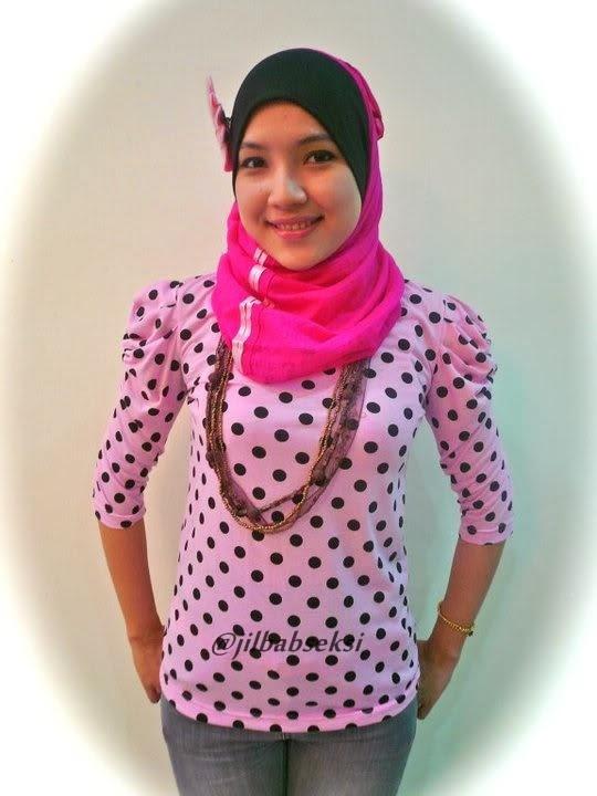 Foto Hot Miss Dinda jilbab ketat dan seksi jilbab+baju+ketat+body+semok01