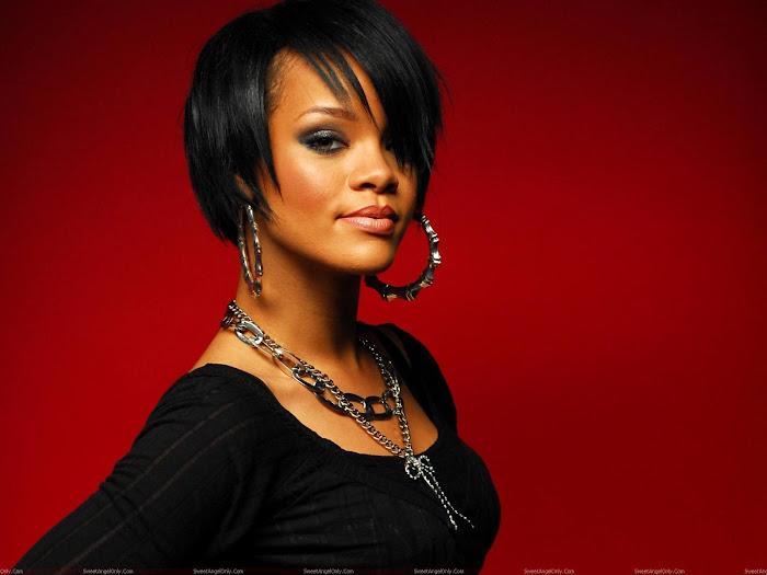 Rihanna HD Desktop Wallpaper -04