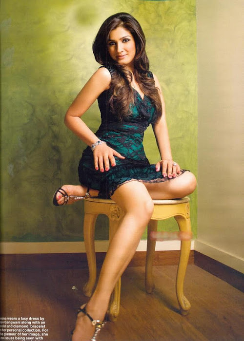 Raveena Tandon Spicy Pictures, Raveena Tandon in Short Skirt