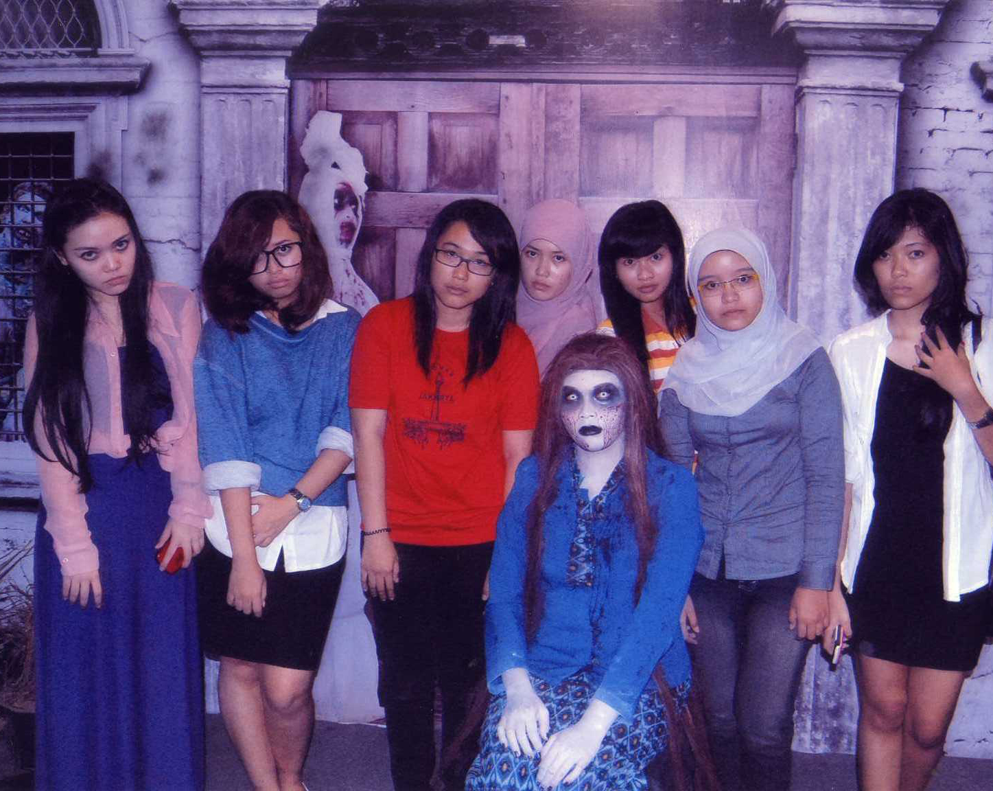 and this is my girls in ghost face (me, Charisma, Winie, Monica, Olin
