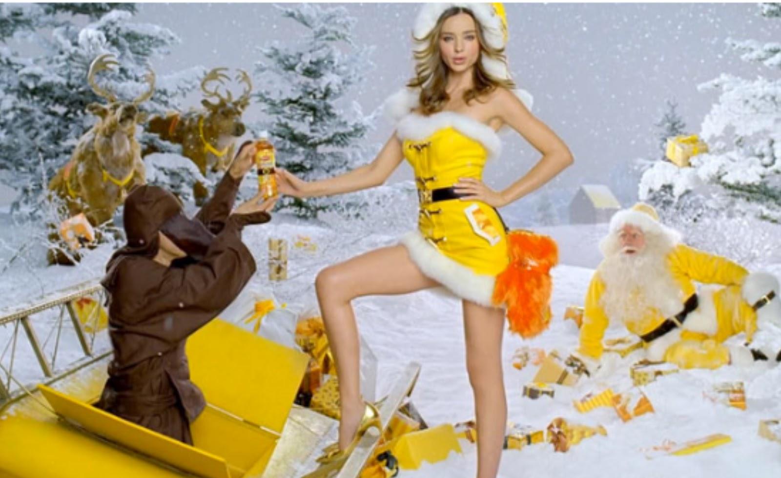 http://4.bp.blogspot.com/-00CfAhmDYkU/UDtuLJrP90I/AAAAAAAAG3A/D44Lg3N8szg/s1600/miranda+kerr+-+yellow+santa+03.jpg