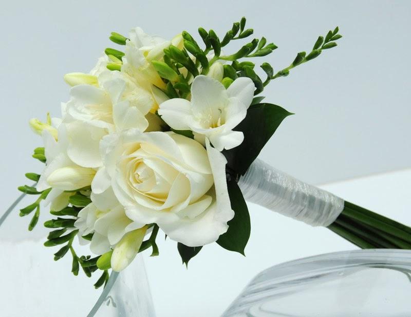 White freesia wallpapers beautiful flowers wallpapers white freesia wallpapers mightylinksfo