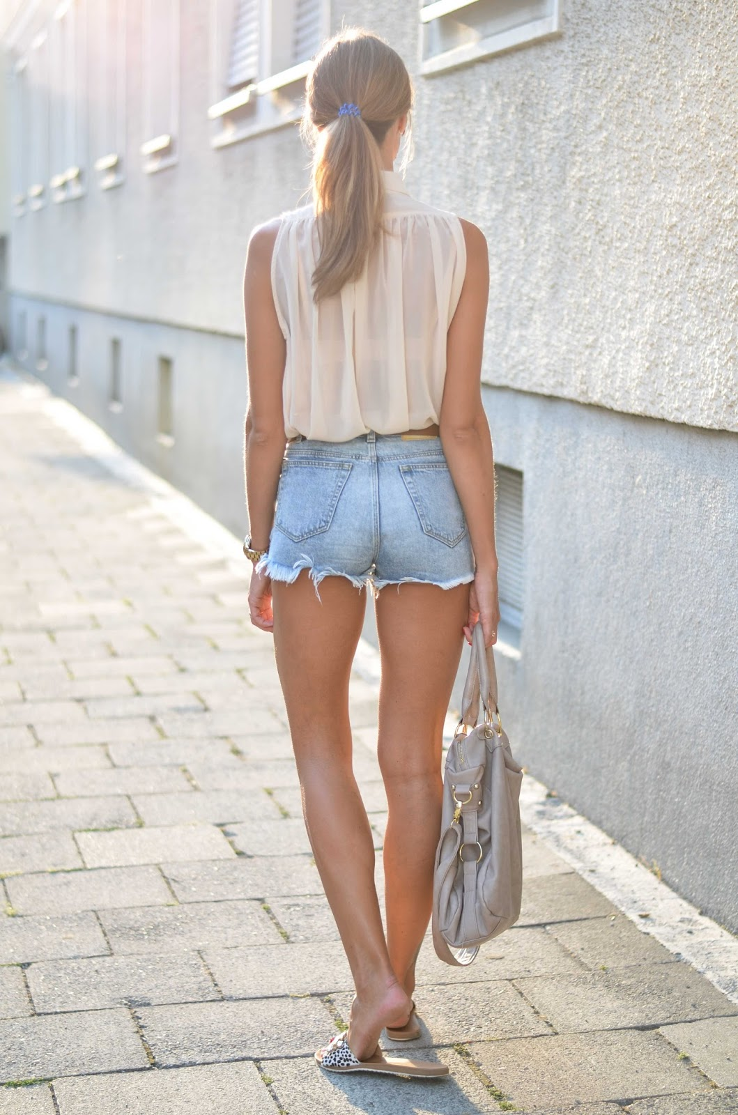 kristjaana mere zara denim shorts sheer beige top summer fashion outfit