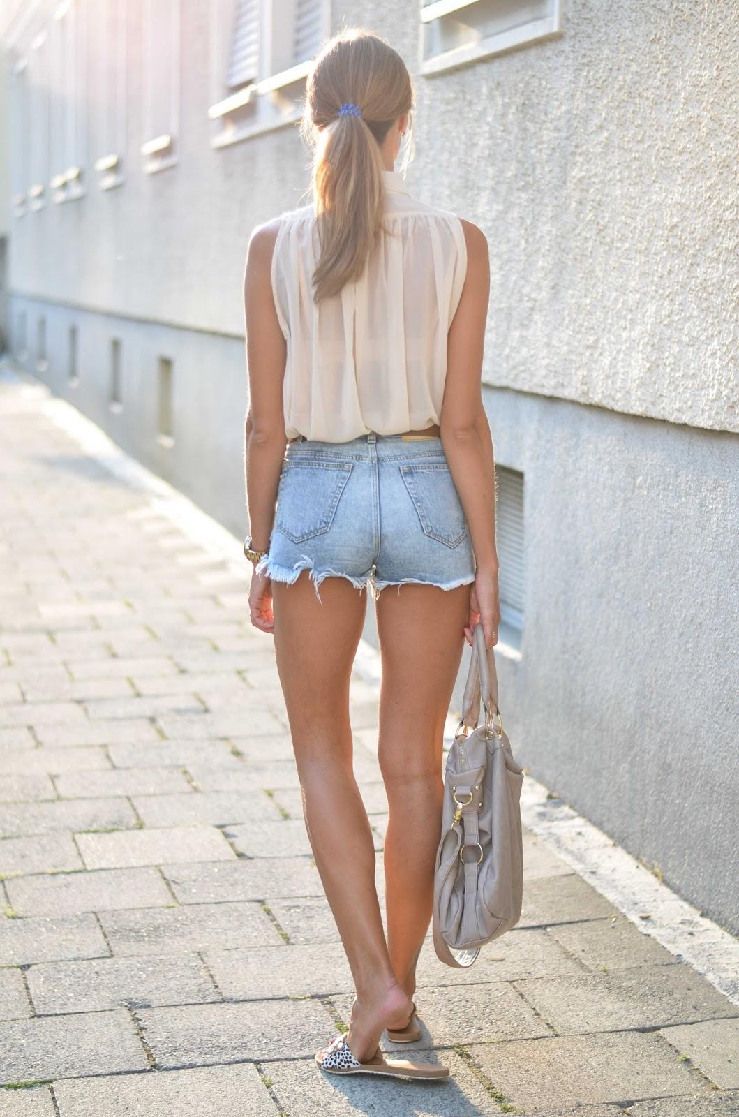 kristjaana mere zara denim shorts sheer beige top summer fashion outfit