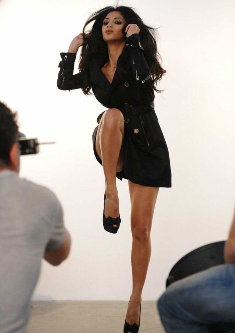 Fashionable Hairstyles Nicole Scherzinger on London Fog 13