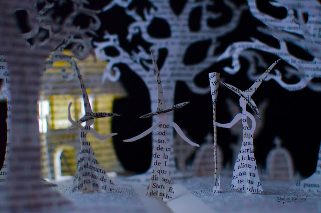 Art-with-books-Halloween-paper-model