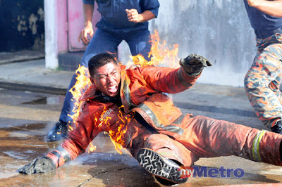 bomba terbakar