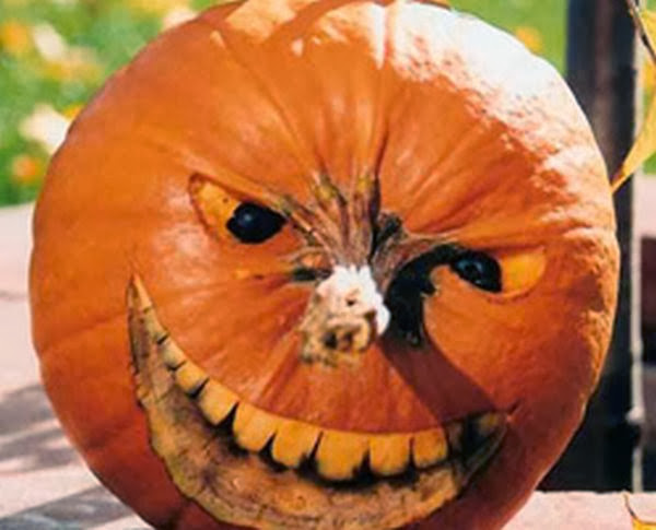 Scary Halloween Yard Displays