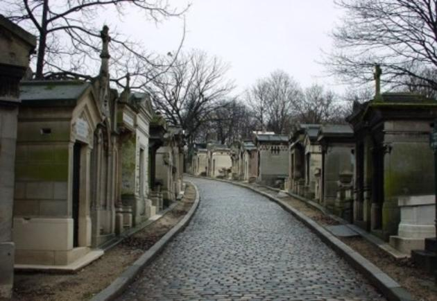 صور رائعة من باريس  Top_10_things_to_do_while_in_paris_pere_lachaise_cemetery1