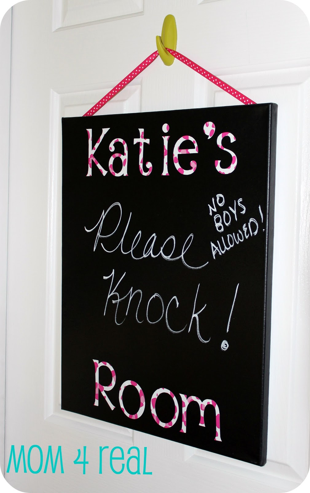 canvas chalkboard w vinyl letters mom 4 real. Black Bedroom Furniture Sets. Home Design Ideas