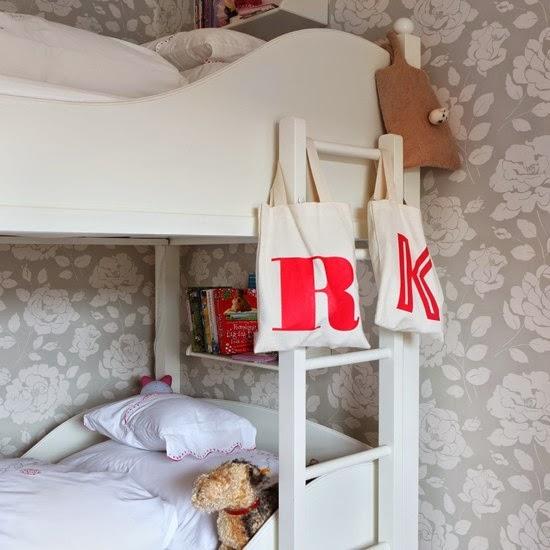 ... dilepas pasang, boneka, bingkai antik vintage atau bantal warna-warni