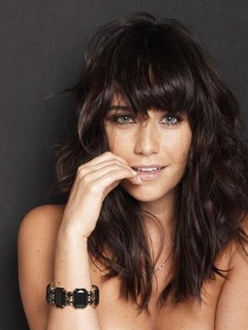 fernanda vasconcellos e uma famosa atriz brasileira iniciou sua ...