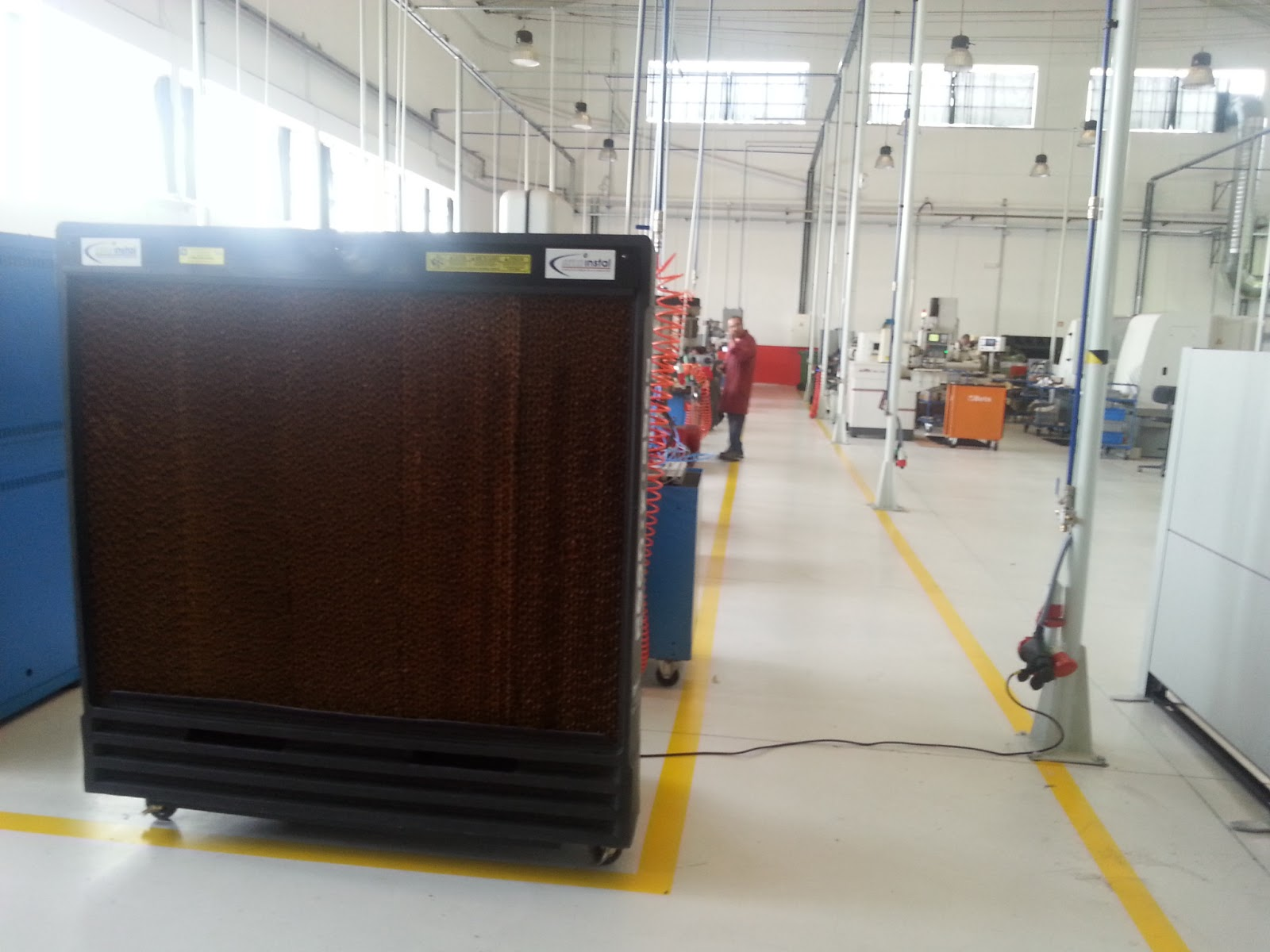 cooling: Portable evaporative cooling industrial warehouse Portugal #9F782C