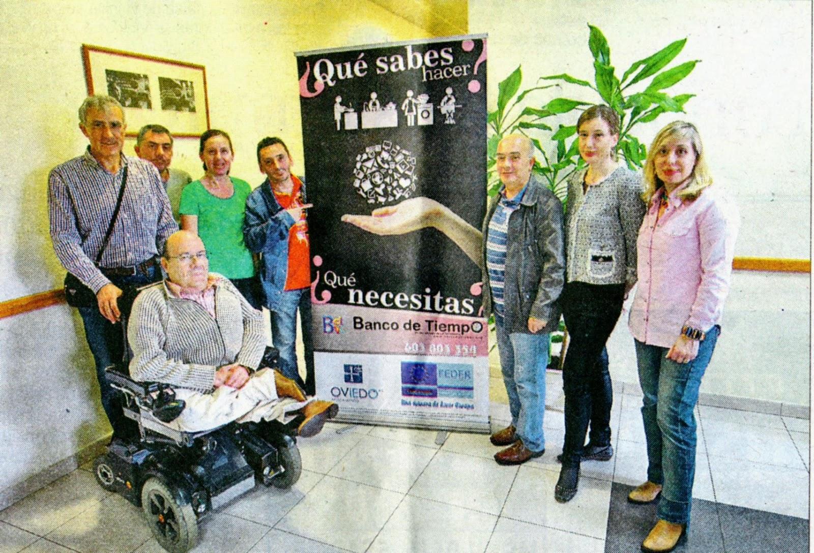 En la foto, Jesús Valles, Javier Allonca, Maricruz Valles, Pilar Gomez y Jesús García, miembros de la junta  directiva de Asparve y Manolo, Sandra y Jose Manuel voluntarios habituales del banco.