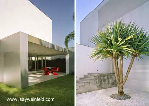 Par de fotos de exteriores de la moderna casa en San Pablo