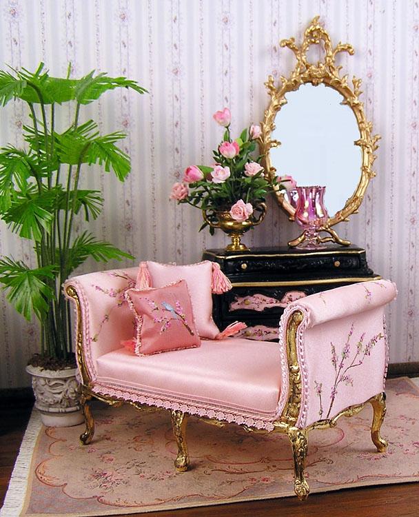 good sam showcase of miniatures at the show miniature shops. Black Bedroom Furniture Sets. Home Design Ideas