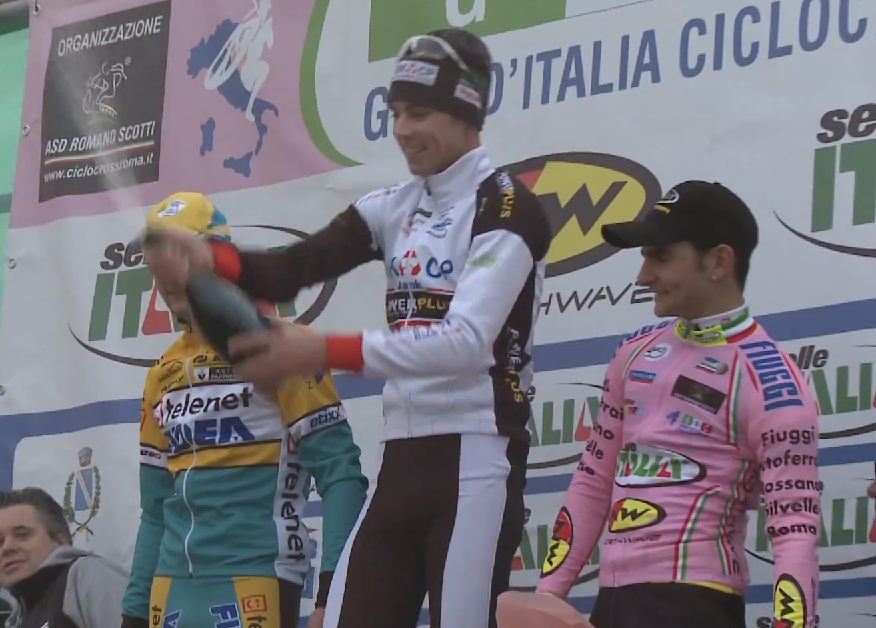Le podium de la 3eme manche du giro d'italie de cyclo-cross