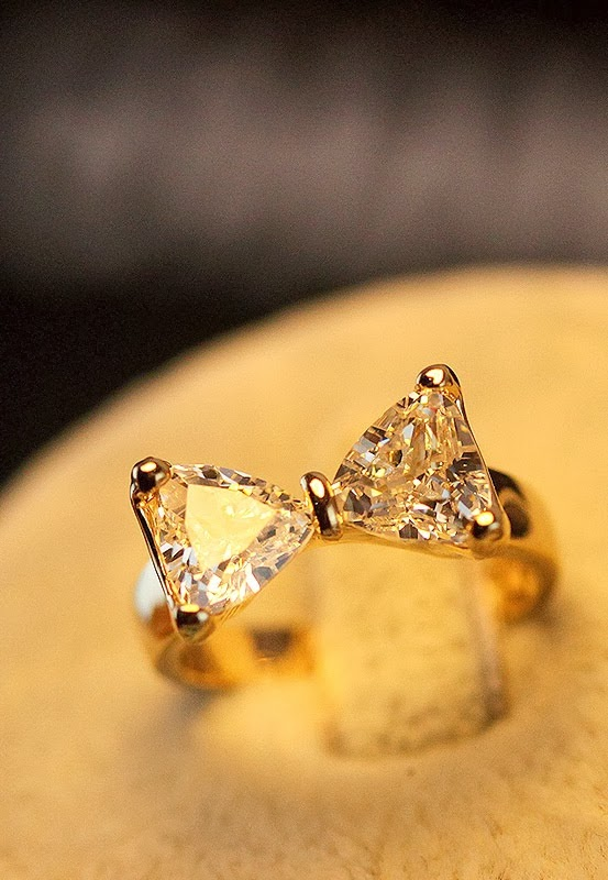 Amazing Bow Rhinestone Ring For Women