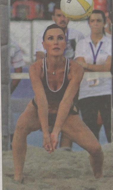 Εντυπωσίασε η Βίκυ Χατζηβασιλείου σε αγώνα beach volley στη ΔΕΘ..(Εικόνες)