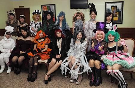 Daftar Member, Lagu dan Lirik Single ke-11 JKT48-Halloween Night, Rilis 26 Agustus 2015 Bareng AKB48