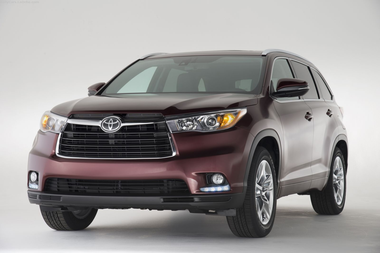 The all-new third-generation 2014 Toyota Highlander mid-size SUV made