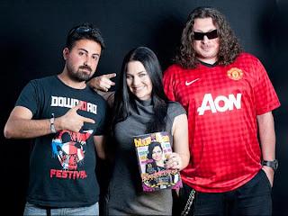 Evanescence >> Galería - Página 11 Amy+Lee+nos+bastidores+com+autores+da+revista1