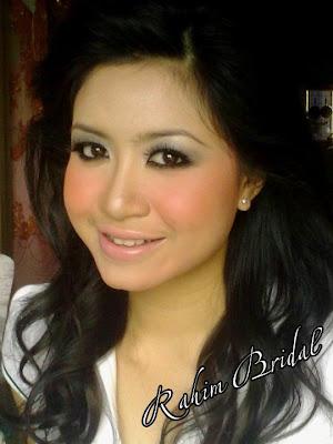 Model Saman Ibu Bapanya kerana Tak Mampu Menyara Dirinya