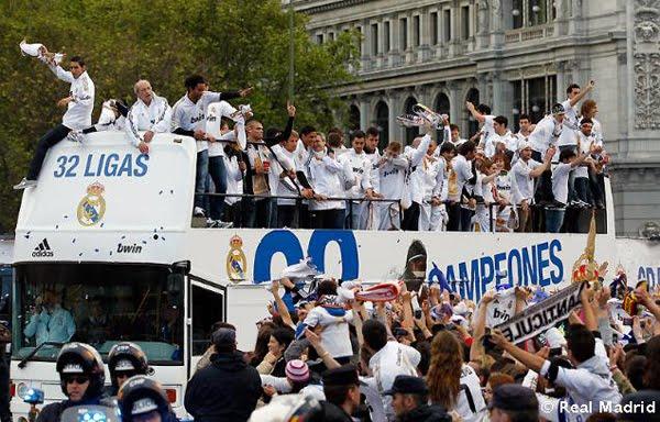 Real Madrid Campeones de Liga Autobús fiesta celebración Cibeles