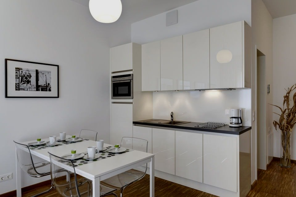 25 peque as cocinas para el sal n cocinas con estilo for Cocinas con isla y salon