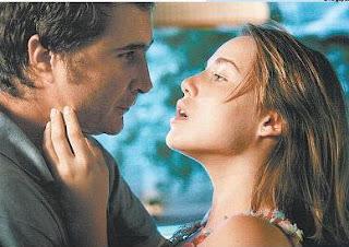 """Cena do filme """"Bonitinha, mas Ordinária"""""""