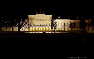 http://fotobabij.blogspot.com/2015/12/puawy-paac-czartoryskich-noca.html